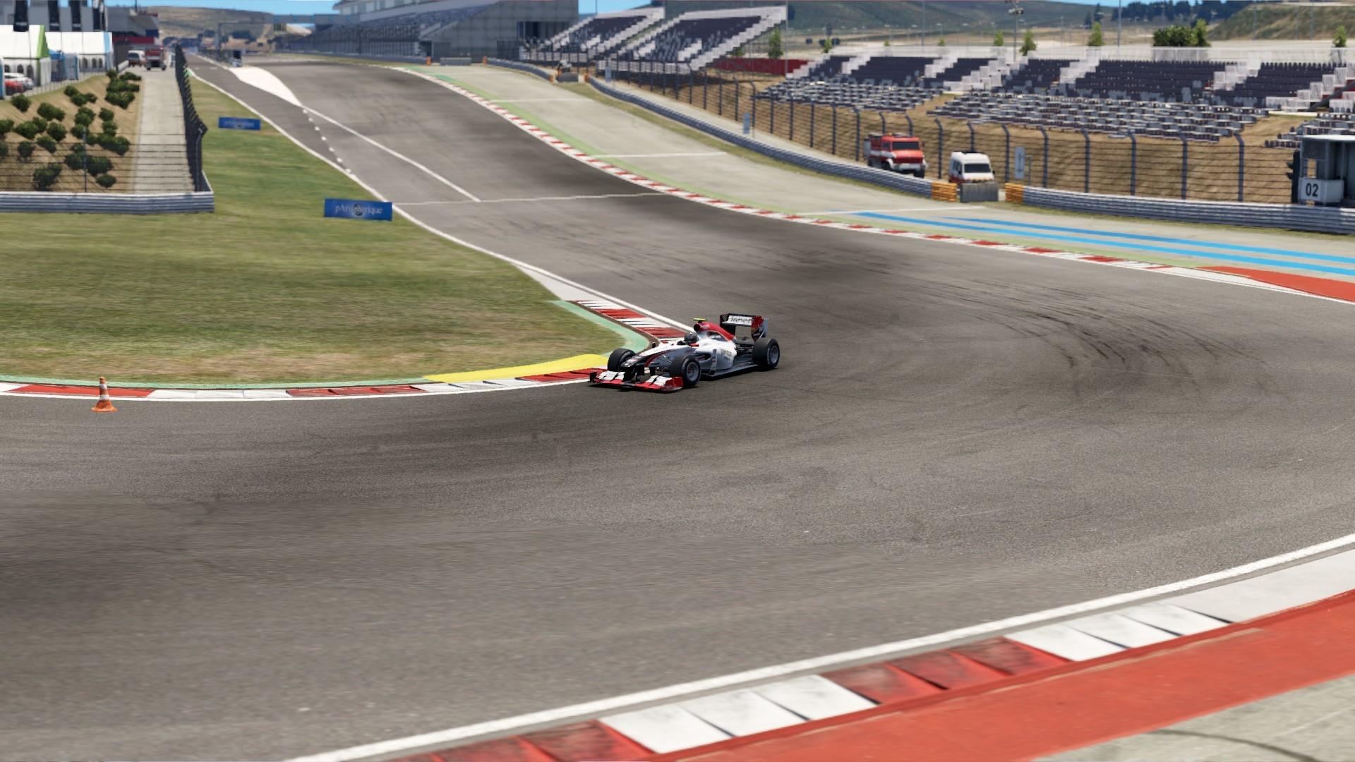 F1 car in turn 1