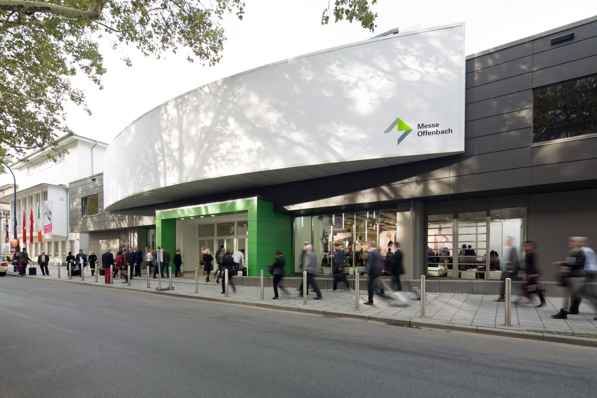 An image of the Messe Offenbach exhibition hall from the outside.