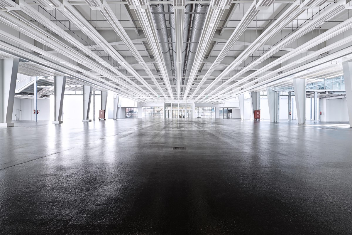 An image of the inside of the large, light and airy exhibition hall.