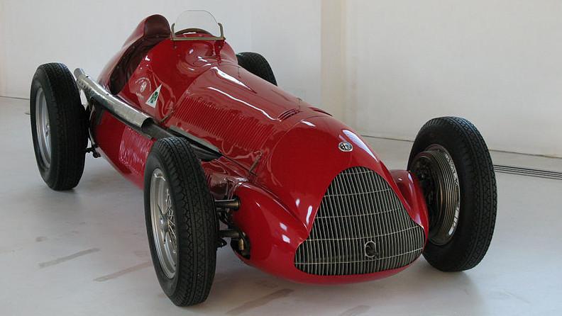 An image of the Alfa Romeo 158 on display.
