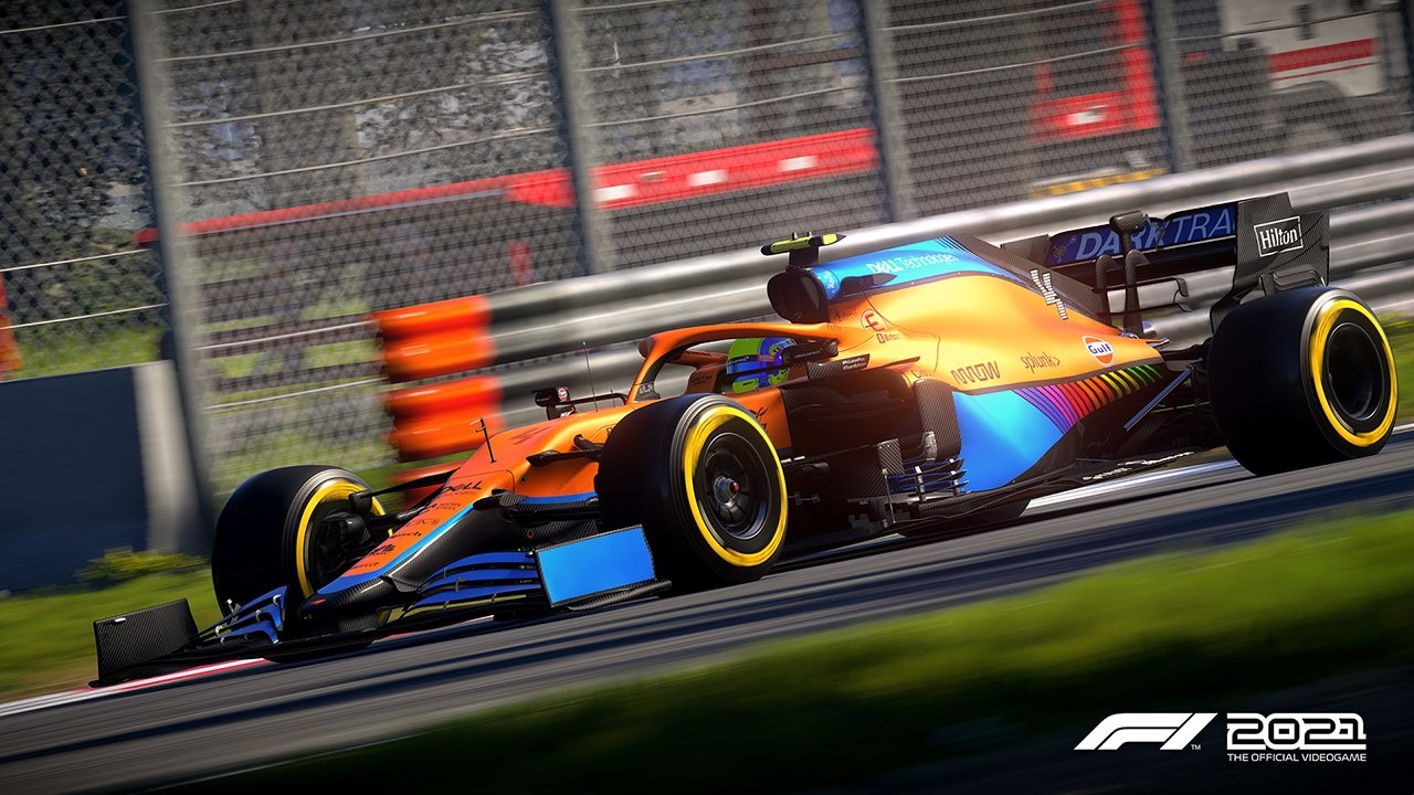 An image of a McLaren F1 car in F1 2021.